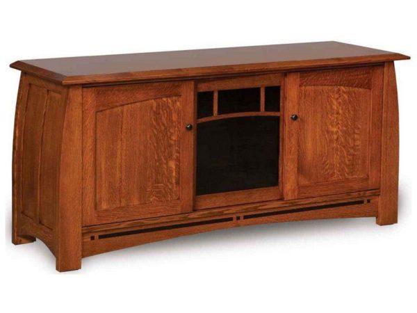 Amish Boulder Creek Three Door TV Stand