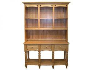Amish Clover Hutch